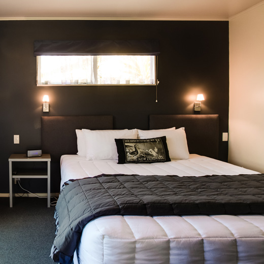 One Bedroom - Napier Accommodation - Colonial Lodge