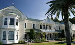 hawkes bay wineires - mission estate